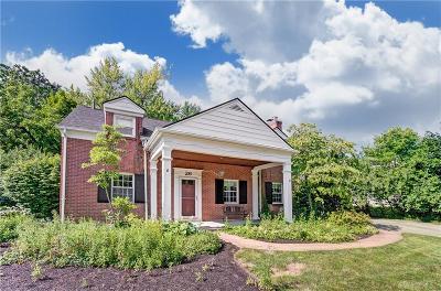 Oakwood Single Family Home For Sale: 26 Thruston Boulevard