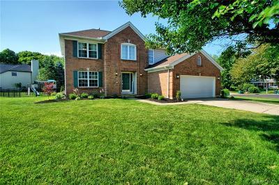 Springboro Single Family Home For Sale: 10 Sheridan Circle
