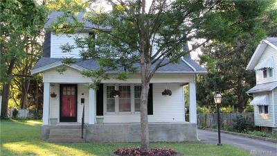 Dayton Single Family Home For Sale: 49 Cedarlawn Drive