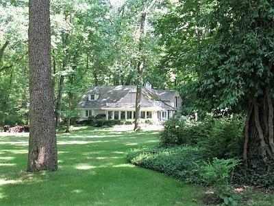 Montgomery County Single Family Home For Sale: 210 Colonial Lane