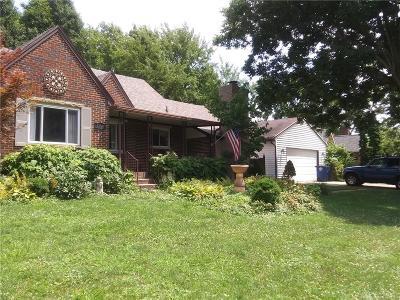 Dayton Single Family Home For Sale: 1100 Broadmoor Drive