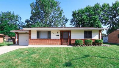 Englewood Single Family Home For Sale: 321 Winnimac Avenue