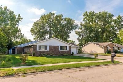 Fairborn Single Family Home For Sale: 5221 Wakefield Drive