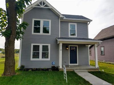 Dayton Single Family Home For Sale: 31 Hawthorn Street
