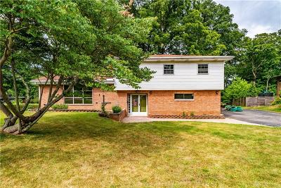 Dayton Single Family Home For Sale: 563 Eastdale Drive