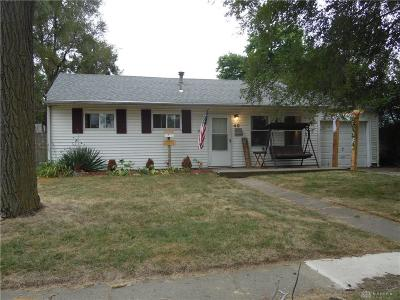 Fairborn Single Family Home For Sale: 40 Thornton Drive