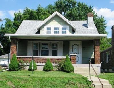 Dayton Single Family Home For Auction: 504 Kolping Avenue