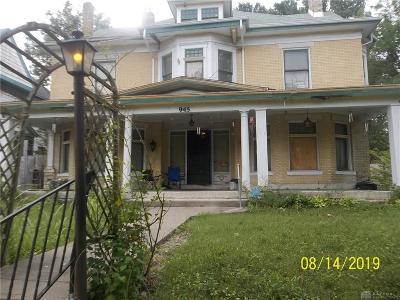 Dayton Single Family Home For Sale: 945 Broadway Street