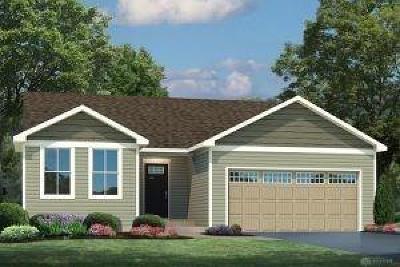 Xenia Single Family Home For Sale: 2748 Kingman Drive