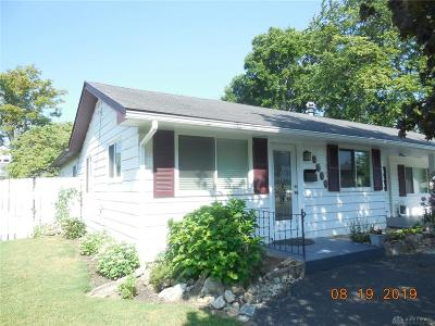 Kettering Single Family Home For Sale: 3021 Mohican Avenue