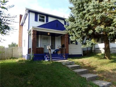 Dayton Single Family Home For Sale: 224 Siebenthaler Avenue