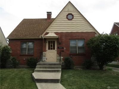 Beavercreek Single Family Home For Sale: 922 Warrington Place