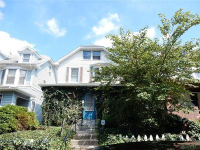 Dayton Single Family Home For Sale: 136 Virginia Avenue