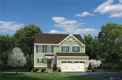 Tipp City Single Family Home For Sale: 811 Cedar Grove Dr