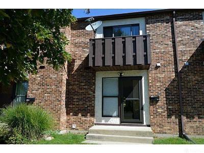 Springfield Condo/Townhouse For Sale: 615 Villa Road