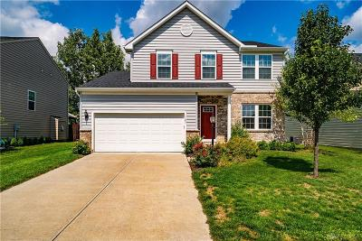 Fairborn Single Family Home For Sale: 1123 Driftwood Drive