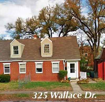 Fairborn Multi Family Home For Sale: 323 Wallace Drive #325
