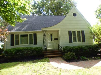 Clinton County Single Family Home For Sale: 240 Fischer Street
