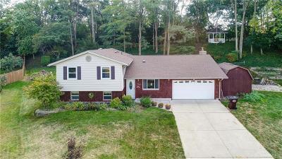 Beavercreek Single Family Home For Sale: 608 Pinewood Place