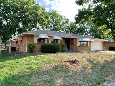 Dayton Single Family Home For Sale: 6172 Rosecrest Drive