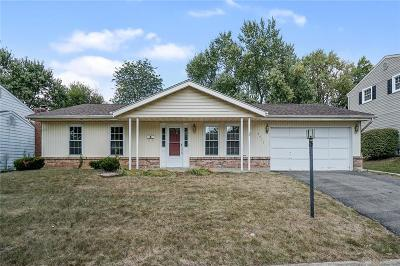 Dayton Single Family Home For Sale: 5417 Honeyleaf Way