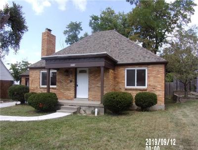 Dayton Single Family Home For Sale: 1067 Sherwood Drive