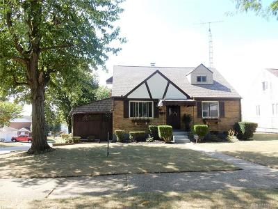 Dayton Single Family Home For Sale: 103 Cherrywood Avenue