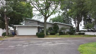 Marblehead Single Family Home For Sale: 8103 E Lake Boulevard