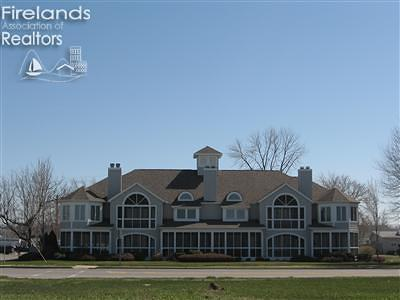 Port Clinton Condo/Townhouse For Sale: 1526 E Perry Street #4