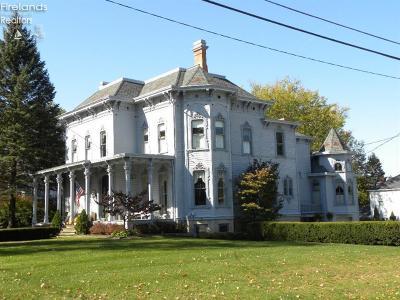 Norwalk Single Family Home For Sale: 166 W Main Street