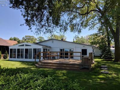 Port Clinton Single Family Home For Sale: 104 N Jacob Street