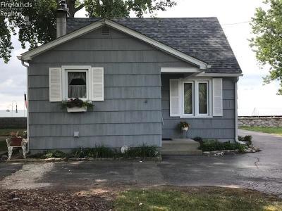 Port Clinton Single Family Home For Sale: 2341 E Sand Road