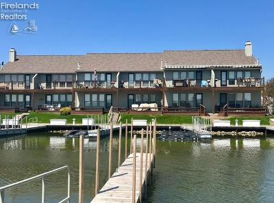 Port Clinton Condo/Townhouse For Sale: 1629 N Windward Drive