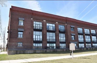Sandusky Condo/Townhouse For Sale: 401 W Shoreline Drive #303