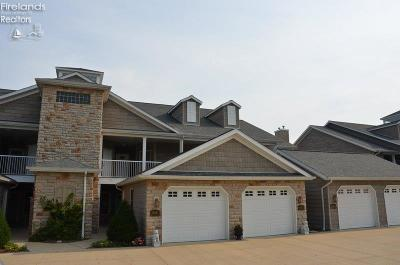 Vermilion Condo/Townhouse For Sale: 2944 Whispering Shores
