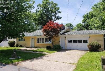 Huron OH Single Family Home For Sale: $95,000