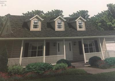 Marblehead Single Family Home For Sale: 385 S Memorial Shoreway