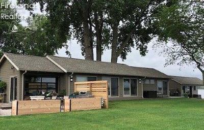 Sandusky Single Family Home For Sale: 703 Cedar Point Road