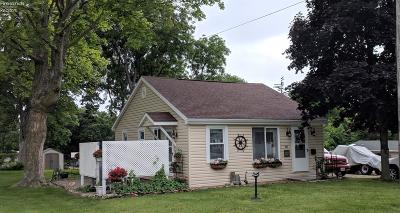 Marblehead Single Family Home For Sale: 62 N Erie Beach Road