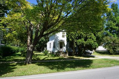 Huron OH Single Family Home For Sale: $62,500