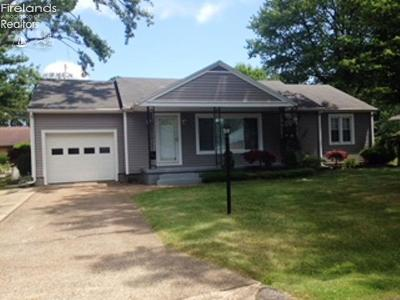 Huron OH Single Family Home For Sale: $137,900