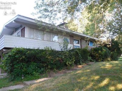 Huron OH Single Family Home For Sale: $95,500