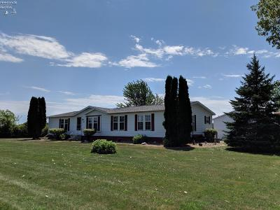 Port Clinton Single Family Home For Sale: 5950 W Little Portage East Road
