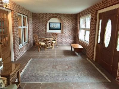 Sandusky Single Family Home For Sale: 539 Cedar Point Road
