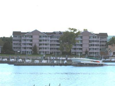 Sandusky Condo/Townhouse For Sale: 45 Marina Point Drive #45