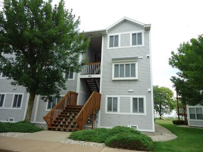 Port Clinton Condo/Townhouse For Sale: 208 W Lakeshore Drive