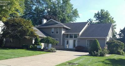 Sandusky Single Family Home For Sale: 3916 Deerpath Drive