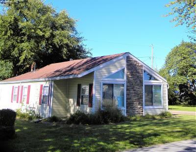 Sandusky Single Family Home For Sale: 143 E Oneida Trail