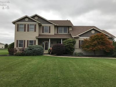 Port Clinton Single Family Home For Sale: 1891 S Sanbay Drive