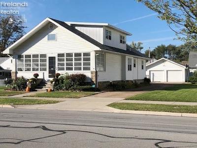 Port Clinton Single Family Home For Sale: 324 W Sixth Street